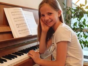 Klavierschülerin der Musikschule Panajotov